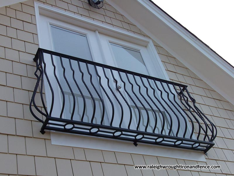 Iron juliet balcony raleigh wrought iron co for Balcony definition